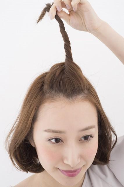 自分でできちゃう!簡単ポンパドールヘアのやり方・手順